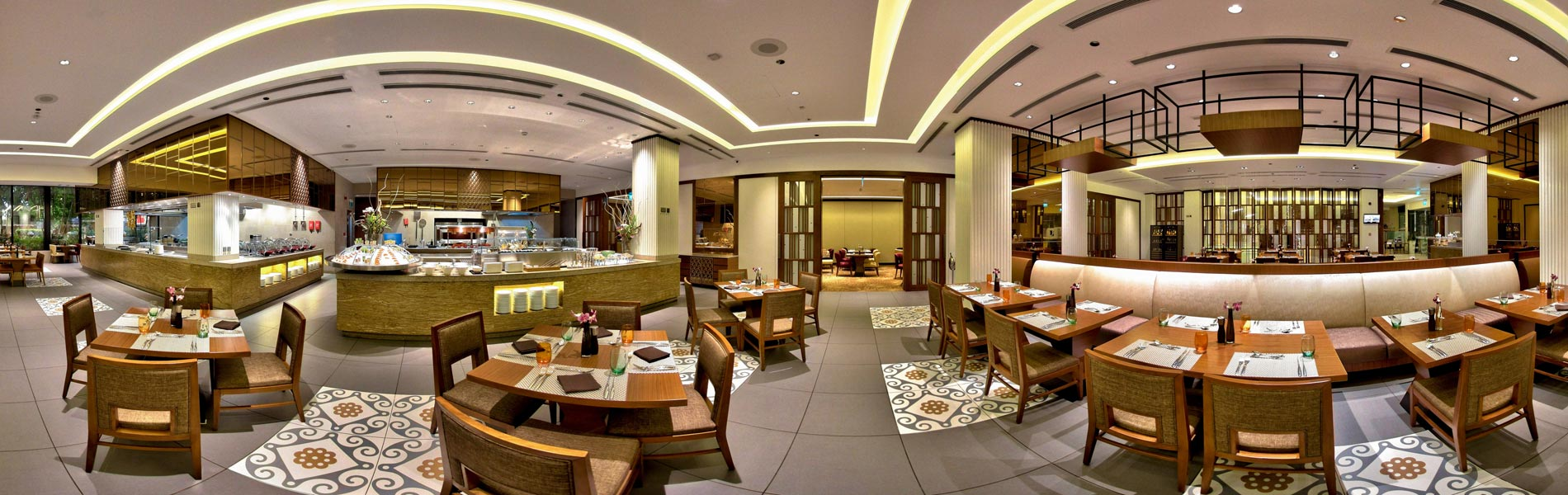 Bright and airy atmosphere in this restaurant for 168 guests